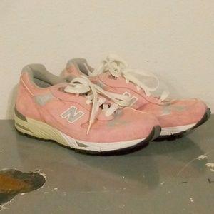 New Balance 991  Pink, Gray & Cream Sneakers